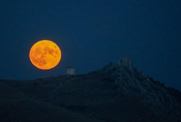 Halloween culminará con una rara luna azul antes del horario de verano