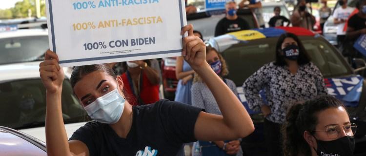 Escritor exiliado cubano sale en defensa de Biden: «No es socialista»
