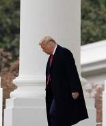 Trump prepara 100 indultos para último día de su presidencia
