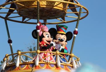 Empleados de Disney se unen para ayudar a sus compañeros despedidos