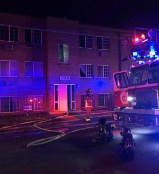 Incendio en complejo habitacional en Aurora