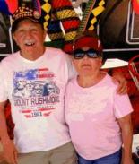 Ancianos encontrados muertos en sendero tenían pacto homicida-suicida