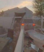 VIDEO: Madre ebria se estrelló en una casa con sus hijas a bordo