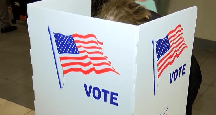 Al votar, tenga en cuenta estos consejos de seguridad ante el COVID-19