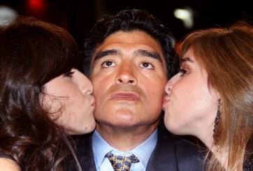 Maradona y sus hijas en Cannes
