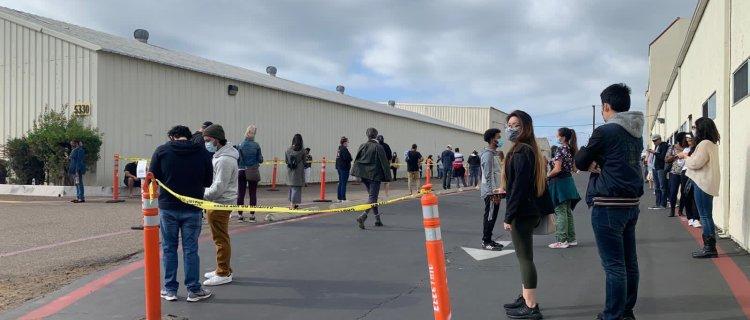 Largas filas en centros de pruebas COVID en San Diego ante Día de Acción de Gracias