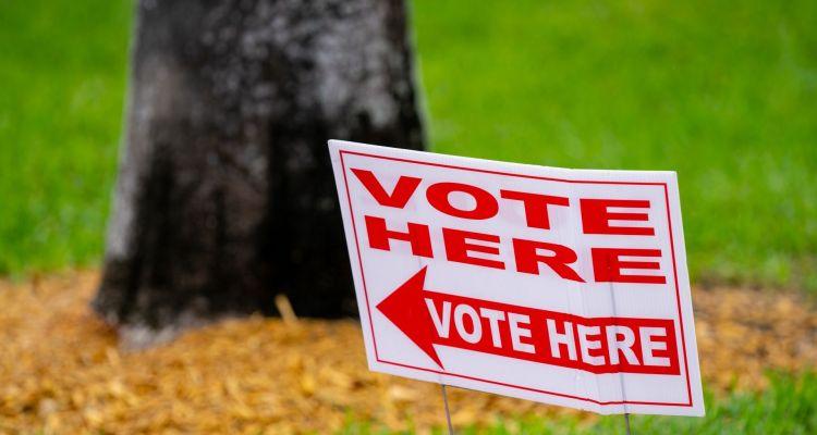 Desde el miércoles podrán reciclar carteles electorales en Winter Park