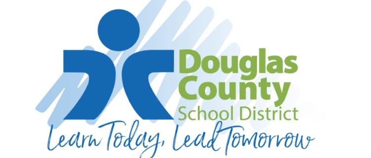 Distrito escolar Condado Douglas mantendrá secundaria y preparatoria a distancia