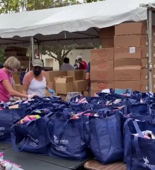 Familias de Seminole fueron beneficiadas con bolsas de comida gratuitas