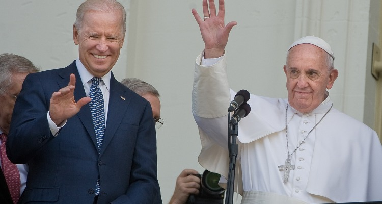 Papa Francisco ofrece bendiciones y felicitaciones a Joe Biden