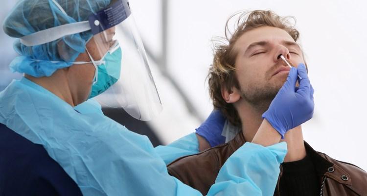 El nuevo coronavirus puede atacar directamente los testículos, advierten