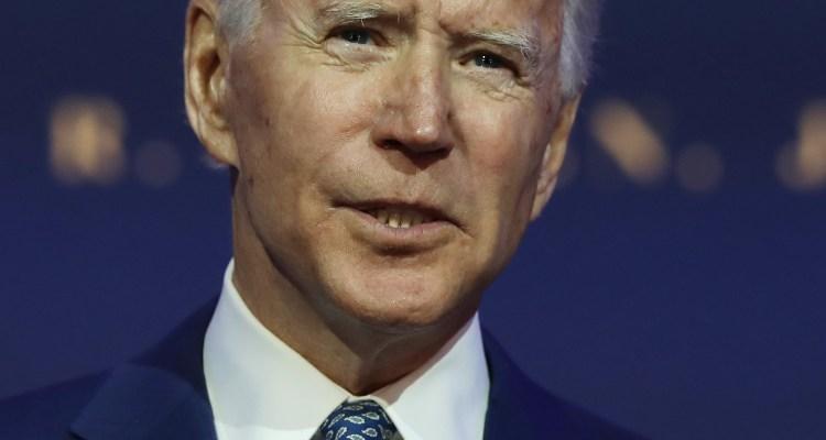 Biden insta a la población a usar mascarillas para combatir Covid