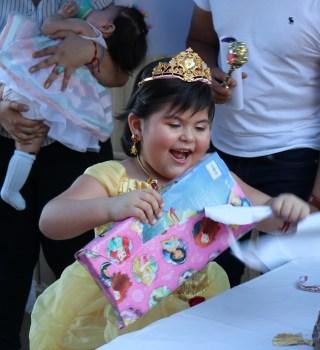 Niña luchando contra la leucemia se transforma en princesa de Disney