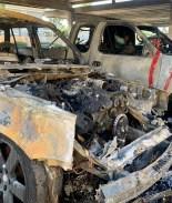 4 automóviles amanecen incendiados en unos apartamentos de San Diego
