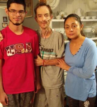 Inmigrante mexicano sin seguro médico pide ayuda para salvar su vida