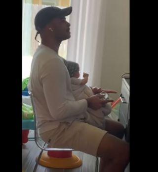 VIDEO: Le dio un bebé falso a su esposo durante horas y él nunca lo notó