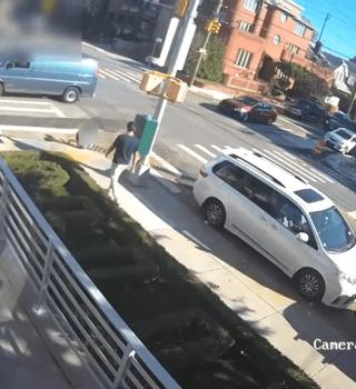 VIDEO: Desconocido golpeó a niño dejándolo inconsciente en la calle