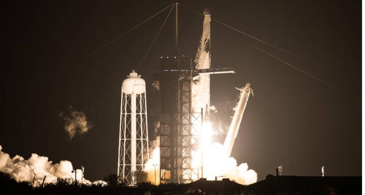 Finalmente Falcon 9 va rumbo a su misión