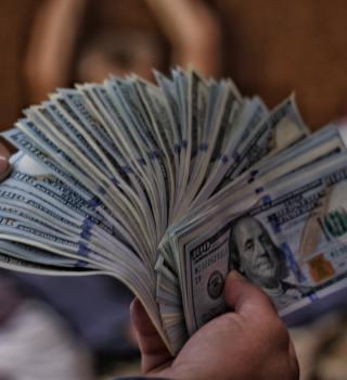 St. Petersburg tiene un feliz ganador de $1.000.000 con un raspadito
