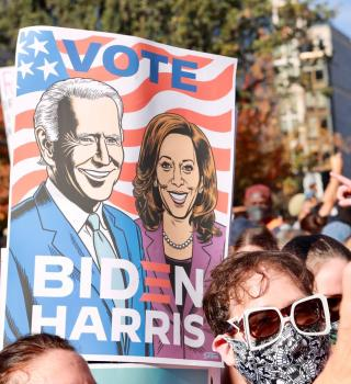 Celebración por Joe Biden dejó vacíos los estantes de Champagne en D.C.