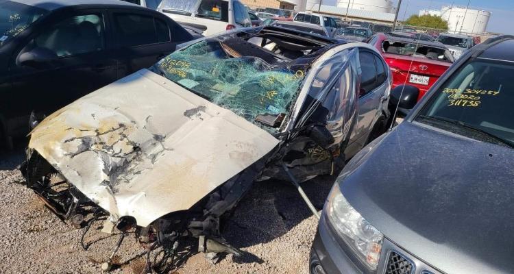 Pide ayuda para su prometida tras brutal accidente de auto en El Paso