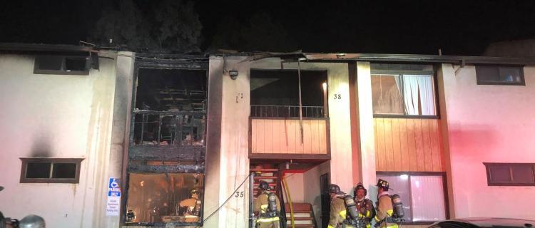 Incendio deja un herido y 7 personas sin hogar en San Diego