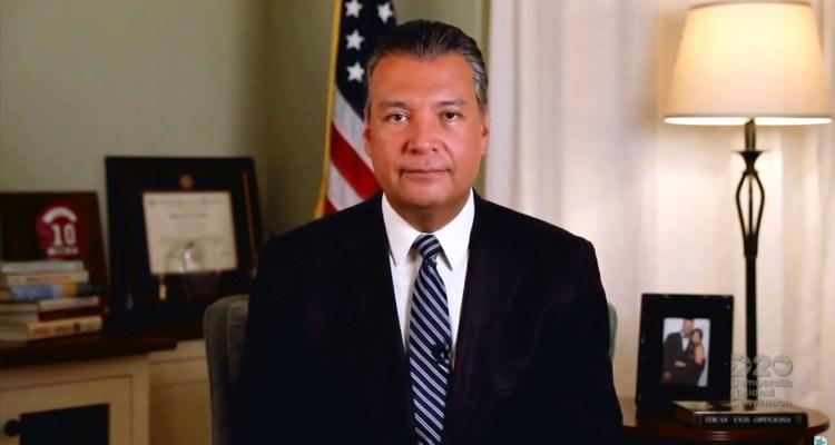 Un latino reemplazará a Kamala Harris como senador por California