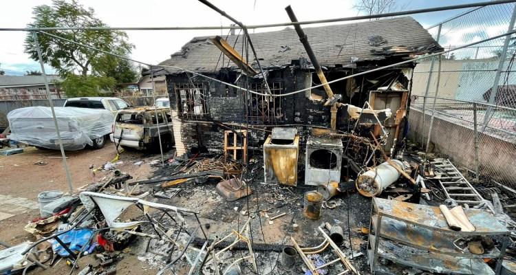 Incendio deja familia hispana sin hogar un día después de Navidad en San Diego