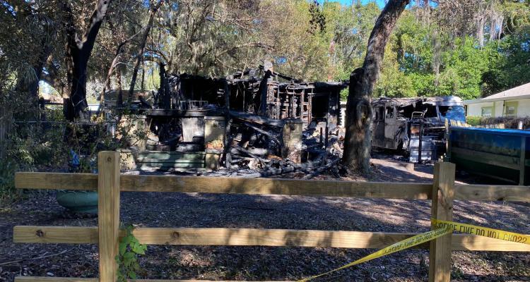 Anciano murió entre las llamas de su vivienda en Florida