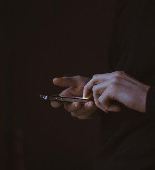 Alertan sobre estafas por mensajes de texto relacionadas al COVID-19