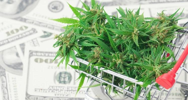 Más latinos podrán entrar a la industria de la marihuana