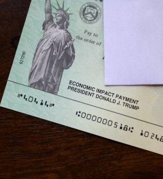 El tan esperado cheque de estímulo parece insuficiente para algunos