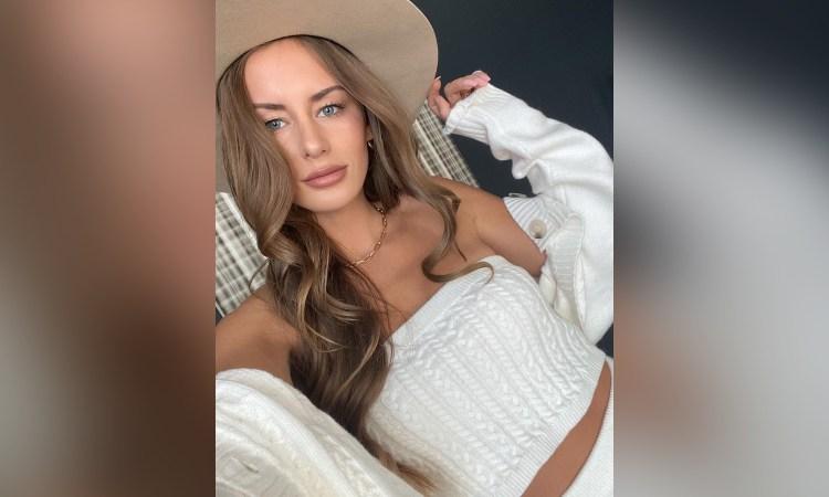 Influencer de Instagram fue encontrada muerta al costado de carretera