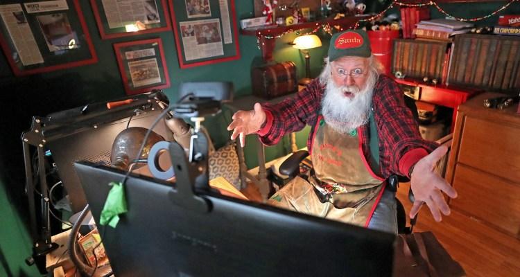 Santas de Zoom se hacen populares esta temporada debido a la pandemia