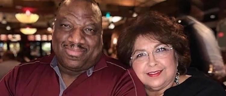 Mueren tomados de la mano por COVID-19 tras 30 años de matrimonio