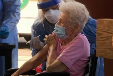 Ancianatos del condado de Pinellas recibieron vacunas contra COVID-19