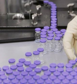 Conoce en qué fecha podrías vacunarte contra el COVID-19, según los CDC