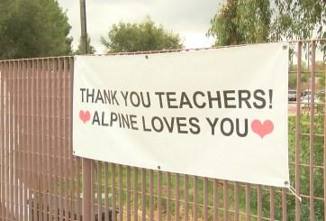 Vacunas llegan a manos de maestros del Distrito Escolar de Alpine