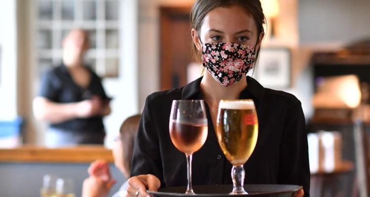 Cierran bares y limitan capacidad de restaurantes en co. Cameron