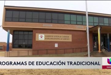 Feria de oportunidades educativas en las escuelas públicas de Wichita