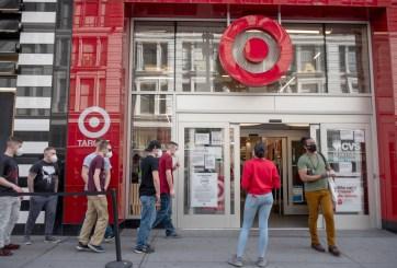 Más de 375 mil miembros de primera línea de Target recibirán un bono de $ 500