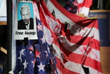 AMLO ofrece asilo político en México a Julian Assange