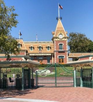 Disneyland de California se convertirá en el primer sitio de vacunación masiva COVID-19