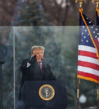 Ante ola de condena, Trump se refugiará en Camp Davis