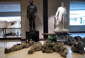5,000 tropas de la Guardia Nacional recibieron órdenes de abandonar el Senado