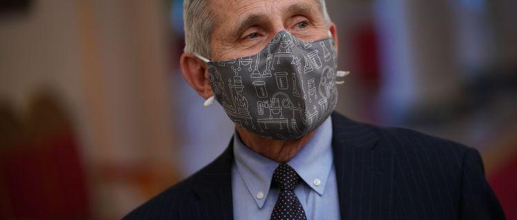 Fauci elogia el liderazgo de la OMS en la pandemia y rompe con la era Trump