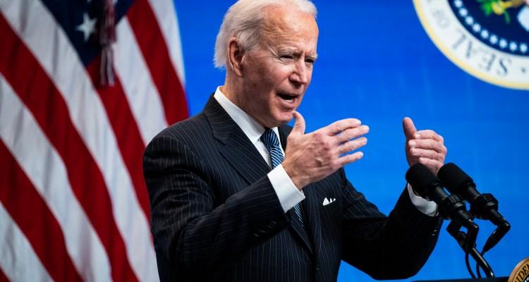 Biden emitirá una orden ejecutiva que permitirá inscribirse al Obamacare