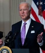 Biden anuncia la compra de 200 millones de dosis más de vacunas COVID-19