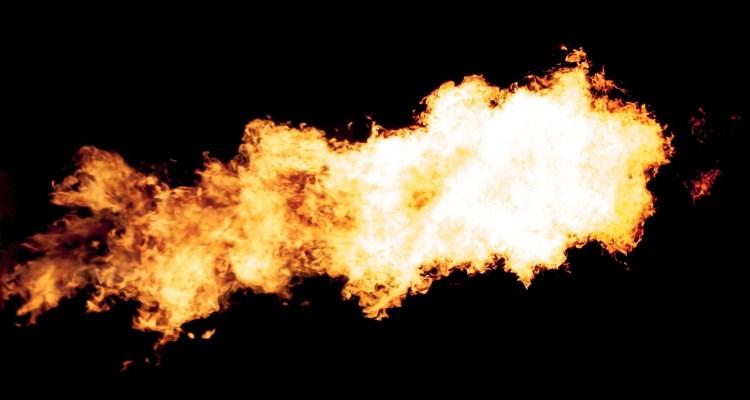 Presunto laboratorio de drogas causa explosión en apartamento de St. Pete