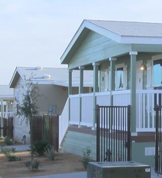 18 familias del este del Valle reciben llaves de su nuevo hogar